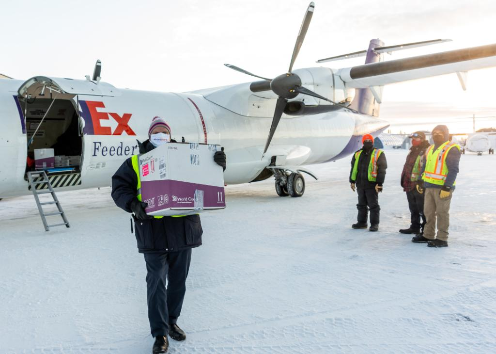 Our team continues to deliver hope. We are now transporting the Moderna COVID-19 vaccine throughout Canada. 🇨🇦 Learn more:  (📸: @FedExCanada)