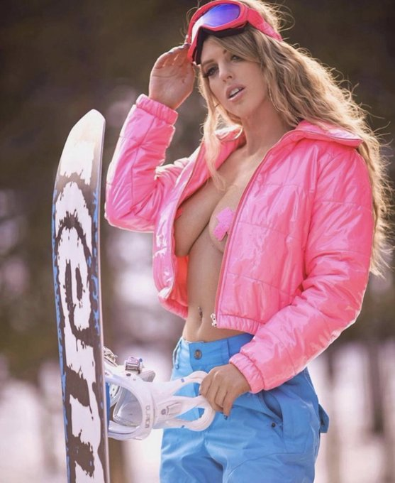 One of my favorite shoots with my new board.... ready to shred Tahoe in a couple weeks 🏂 ❄️ do you ski