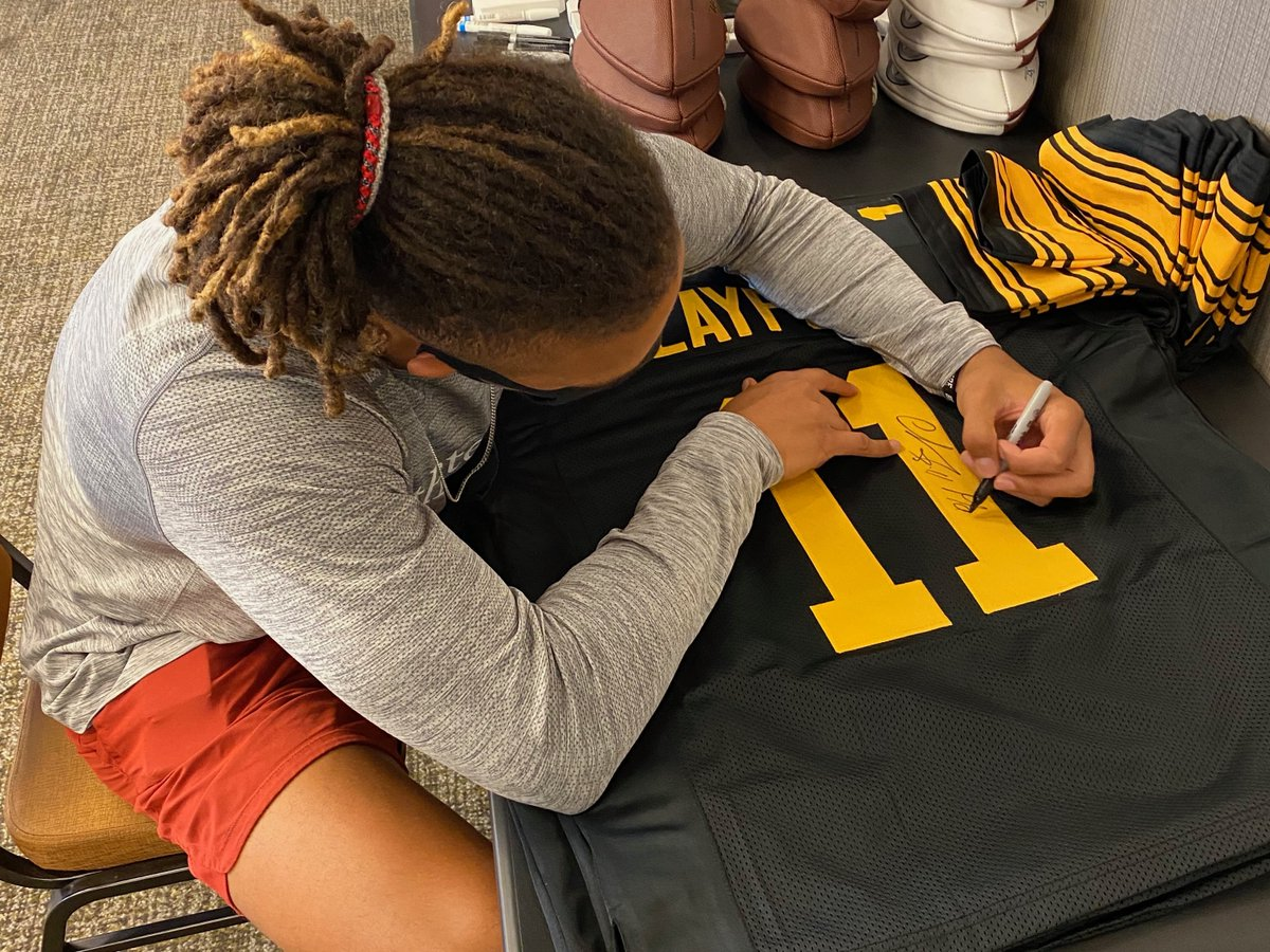 If Chase Claypool scores a touchdown and the Steelers win today, we'll give a Chase Claypool autographed jersey to someone who retweets this tweet AND follows us!