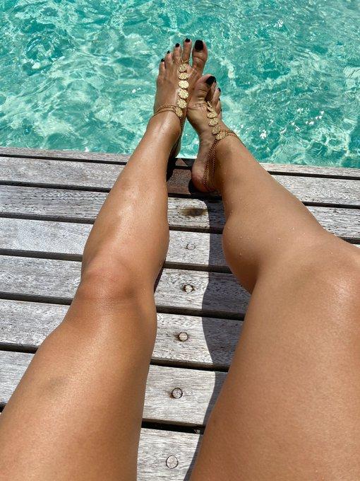 2 pic. Ughhhhhhhh, mine own self   #FootFetish #SexyFeet #FootFreak https://t.co/1X7MSRADni