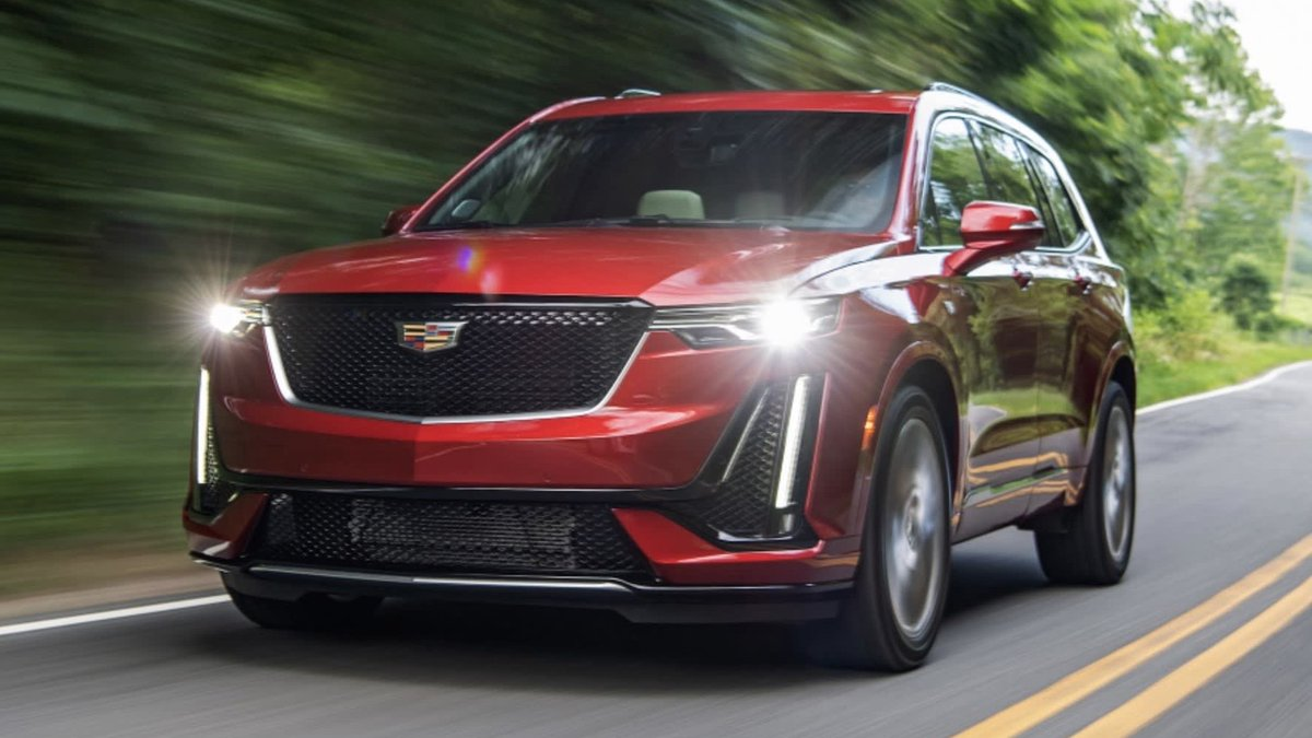 The #Cadillac #XT6 knows how to make an entrance. #CadillacXT6 #MakeItYours