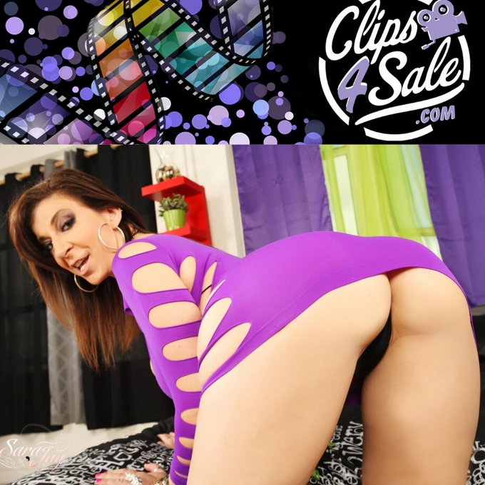🍆💦 Get all my cock draining scenes at my @clips4sale page! 🎞️ I update regularly with some of the hottest