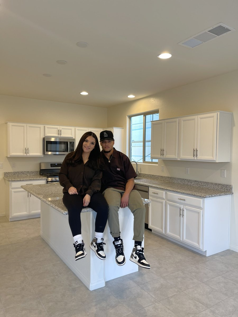 Replying to @ashlita99: Official homeowners 🤎 thanking the man above 🙏🏼  wouldn't want to do it with anyone else 🥰