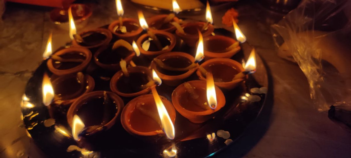 Quote with your favourite picture of #2020 😍 For me it has to be this..signs of hope, happiness, and brilliance . #diwali2020 #lights #earthenlamps