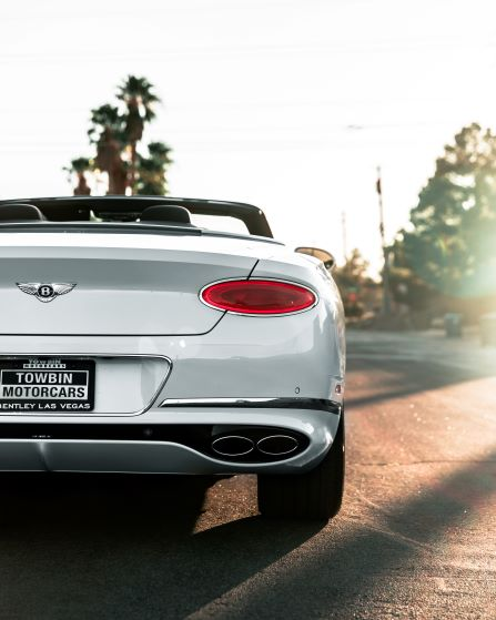 I will reach new heights, every day. The #ContinentalGT V8 #Convertible. #Resolutions #WorldOfBentley _ Photos by Bentley Las Vegas