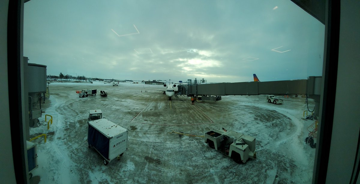 Back to a normal winter day. Thanks to CID maintenance and all our airline partners - flights are coming and going. Just as we knew they would. #flylocal #flyCID