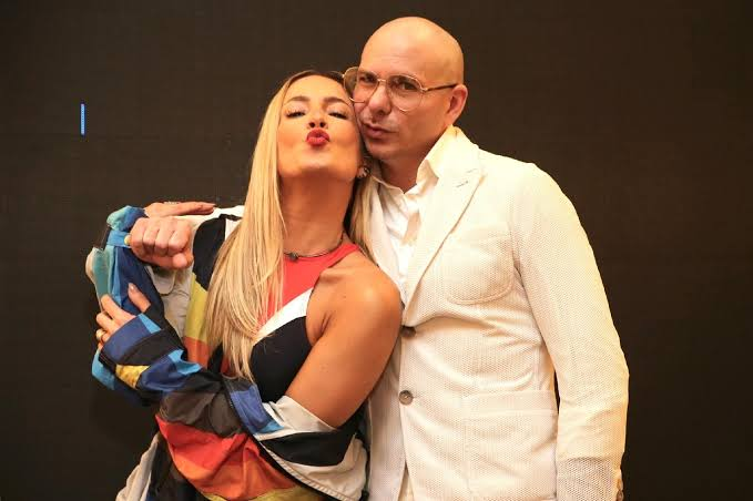 @pitbull @Univision @Anitta @pitbull New song with @ClaudiaLeitte ❤