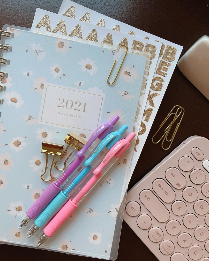 Dreamy G2 Pastels and new goals ✨ What are you most looking forward to in the new year? Do you have your resolution list ready yet? #PowerToThePen  📸: @theteachingflowers