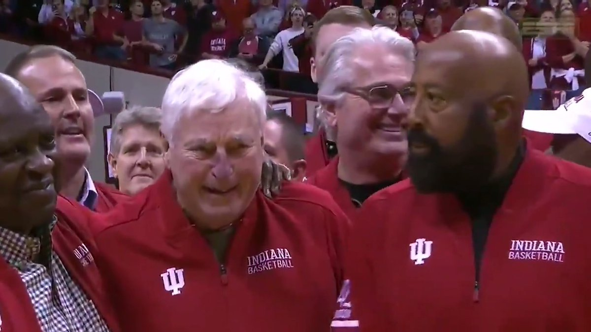 No. 2 in our countdown of the top videos of 2020:   When legendary @IndianaMBB coach Bob Knight returned to Assembly Hall for the first time since 2000 🙌