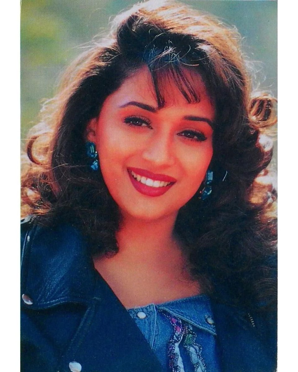 @MadhuriDixit @dancewithMD Love you so much #MadhuriDixit ma'am ❤️🤗 Keep shining & smiling!  #LearnSomethingNew #HappyNewYear2021