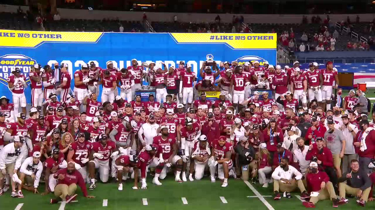 SOONERS DOING THE MALCOLM KELLY FREESTYLE 🔥🔥 https://t.co/e1Eo92oSnu