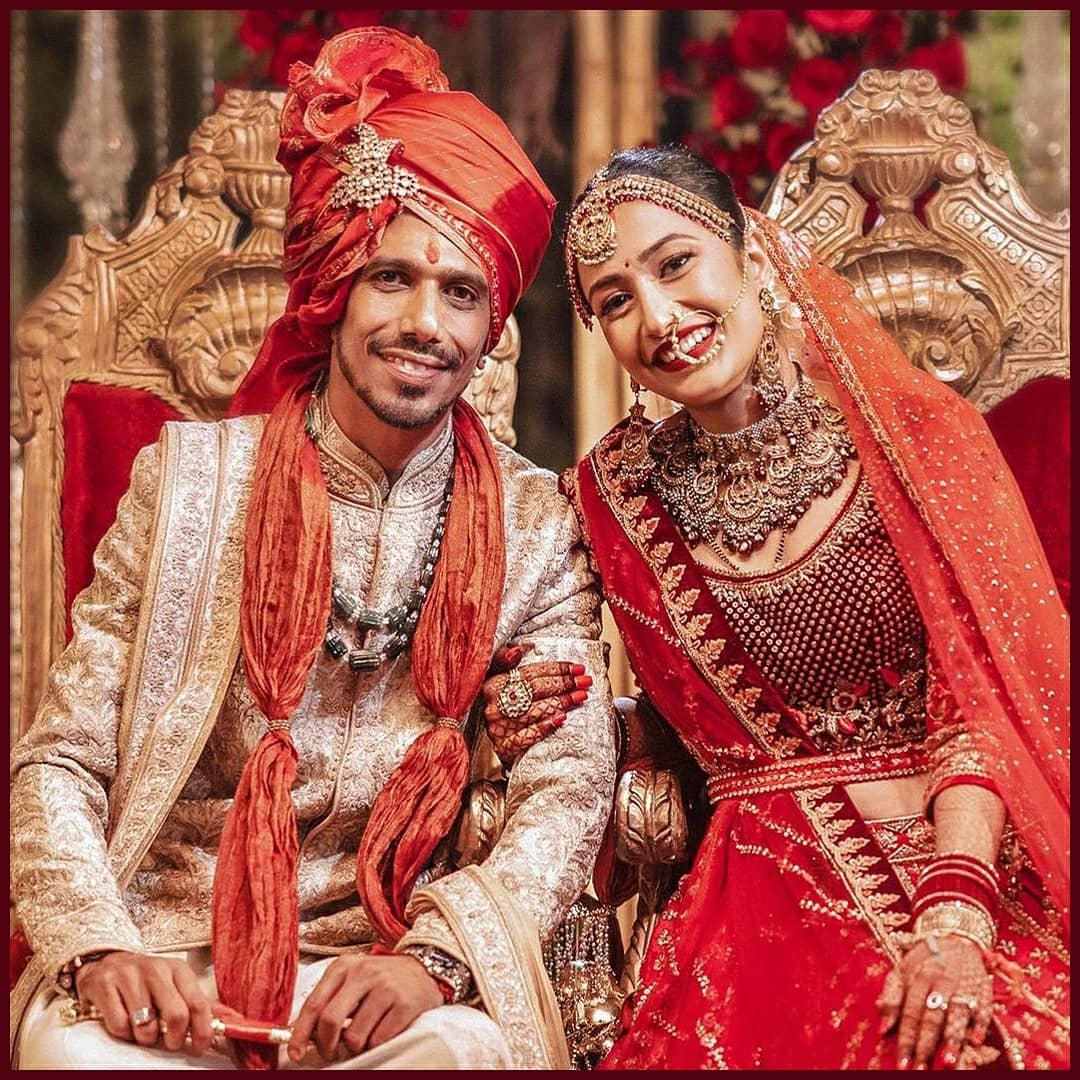 Dhanashree opts for a superbly ornate bridal choker set by Shri Paramani Jewels for her D-day  Read more:   #DhanaSaidYuz #yuzvendrachahal #yuzvendrachahaldhanashreeverma #dhanashreeverma #polkijewelry #mathapatti #preciousjewelry