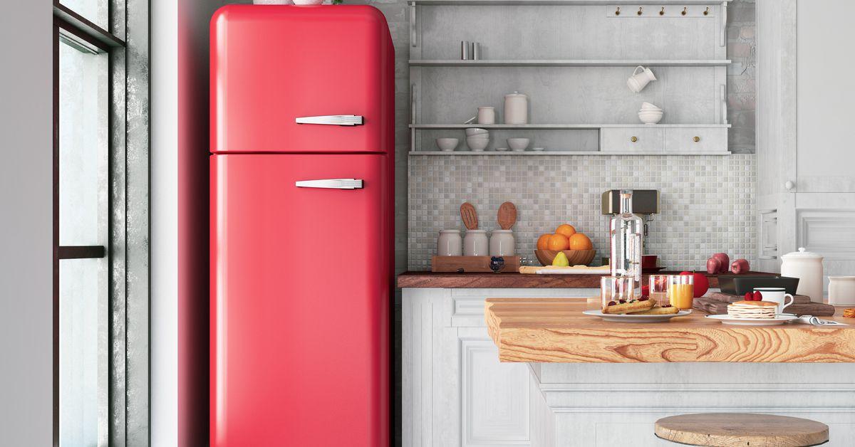 Make painting your appliances part of a kitchen update. #homeimprovement #DIY