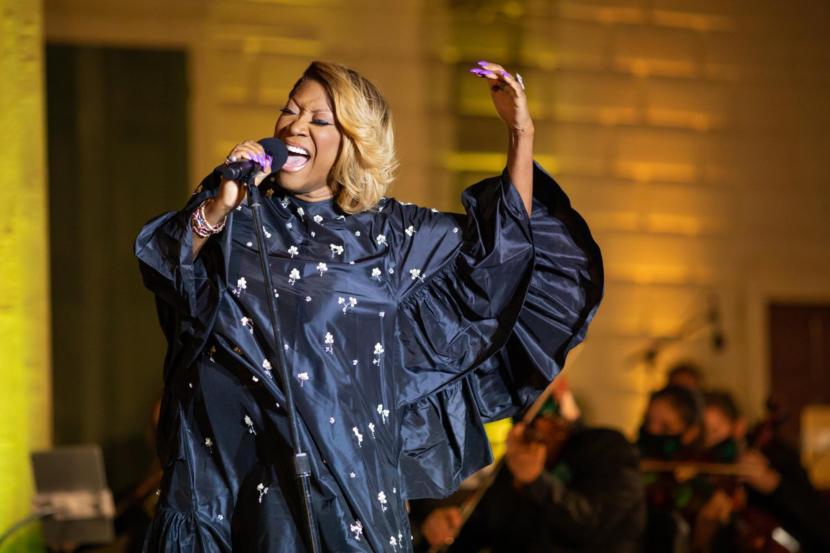 Tonight on #NewYearsEve, tune in to @PBS to see @MsPattiPatti, @Juanes, and other award-winning performers take the stage at @MountVernon! Learn more & tune in on Dec. 31 at 8:00 pm & 9:30 pm ET: