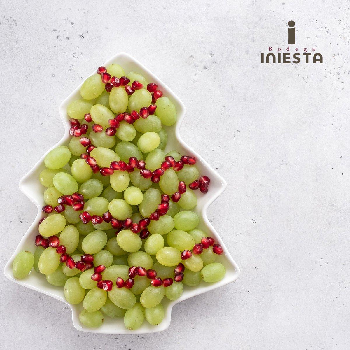 Se acaba 2020 y esta noche las tradicionales uvas darán punto y final a un año que parecía no tener fin.  🍇12 uvas para que la suerte nos acompañe en los 12 meses de este nuevo 2021 que comienza. Desde Bodega Iniesta brindamos, este año más que nunca, por vuestra salud! 🥂