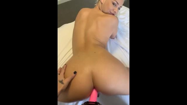 Fresh video on PornhubModels - get it while it's hot: https://t.co/lIJSgAt9CU https://t.co/AjVNGnxRD