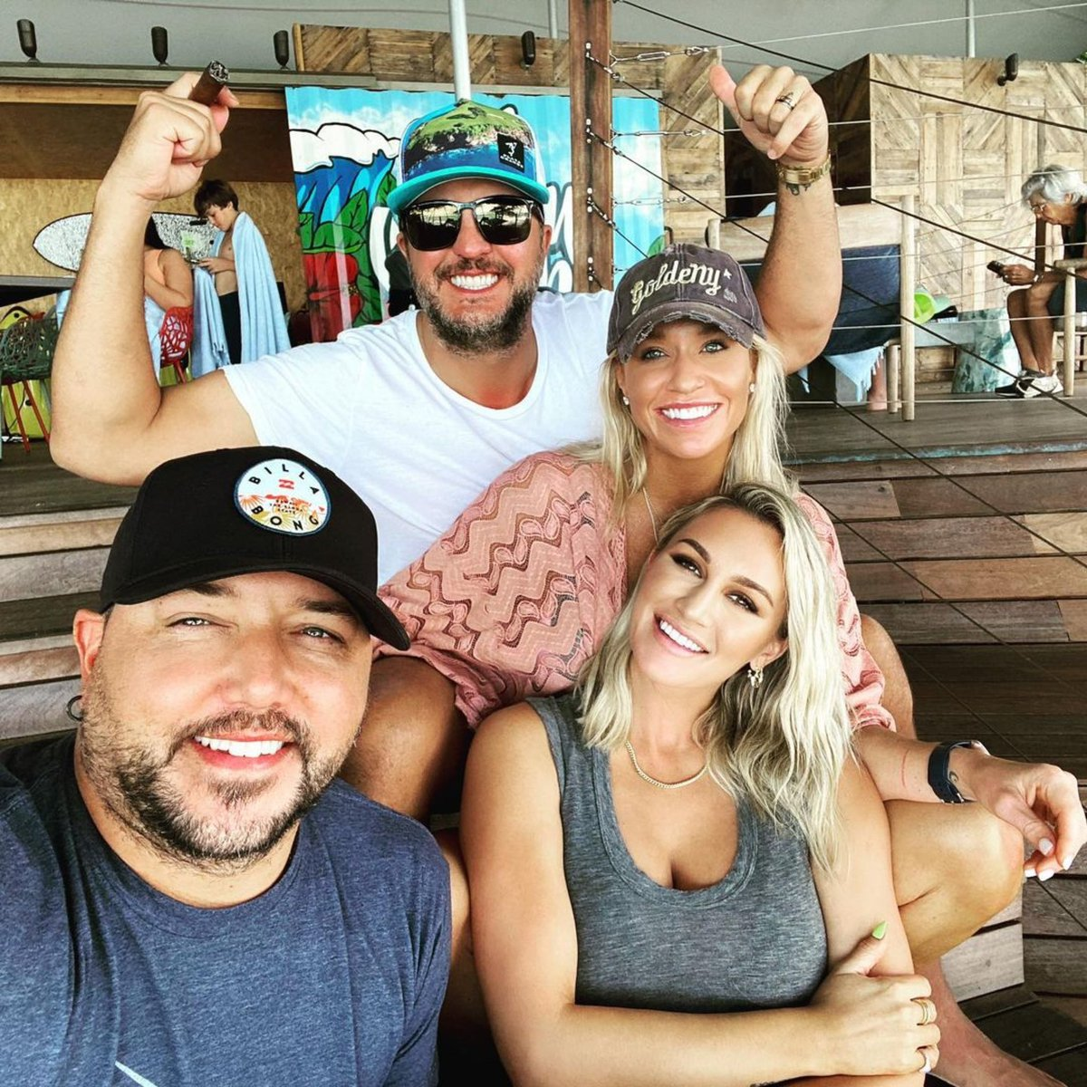 Happy New Year from the island 🏝 Everybody!! Happy bday Caroline Bryan 🎉 @LukeBryanOnline @BrittanyAldean