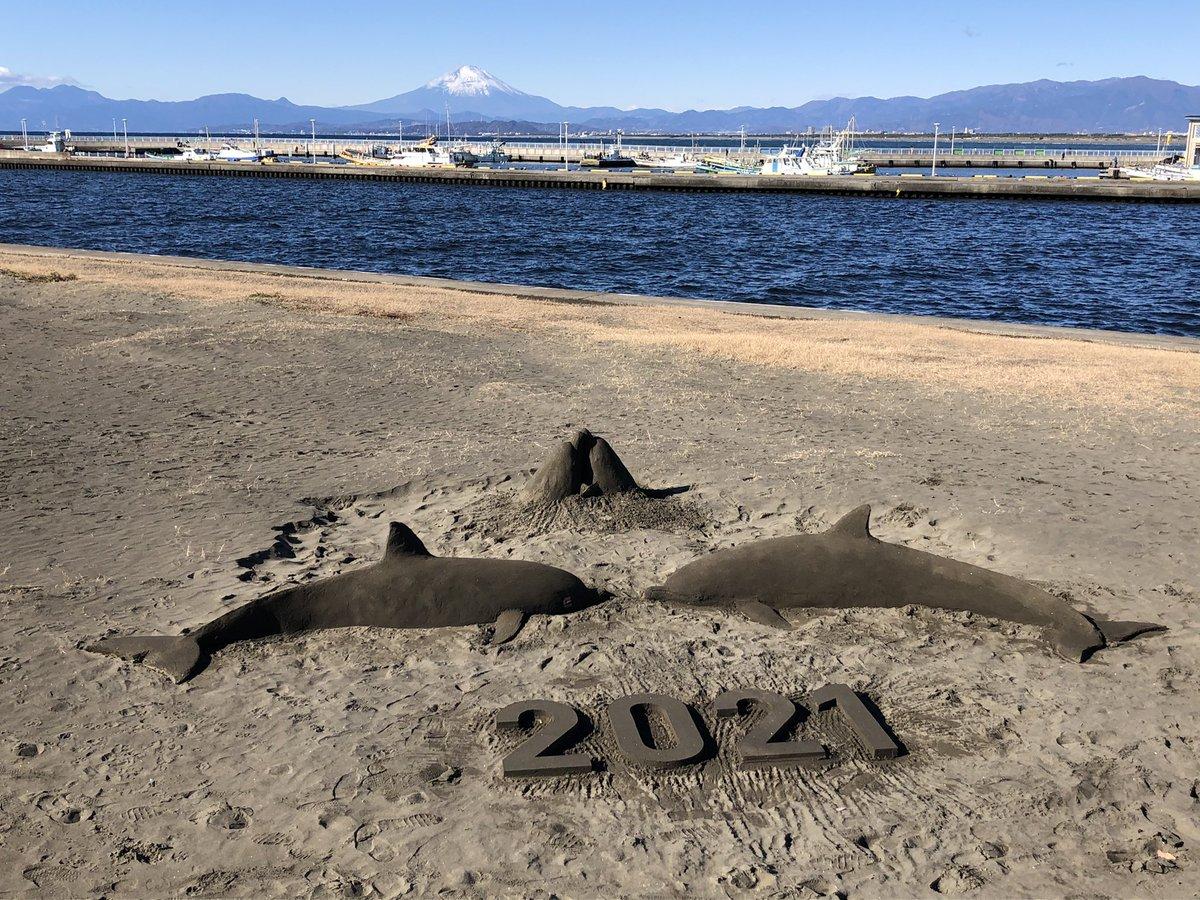 江ノ島に砂アートガチ勢舞い降りてた