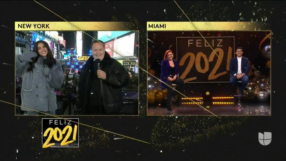 Nada mejor que comenzar a celebrar con música. 🥳️ Así saludamos a @angelicavale y @RafaAraneda. #Feliz2021 #RecibeUnNuevoAño