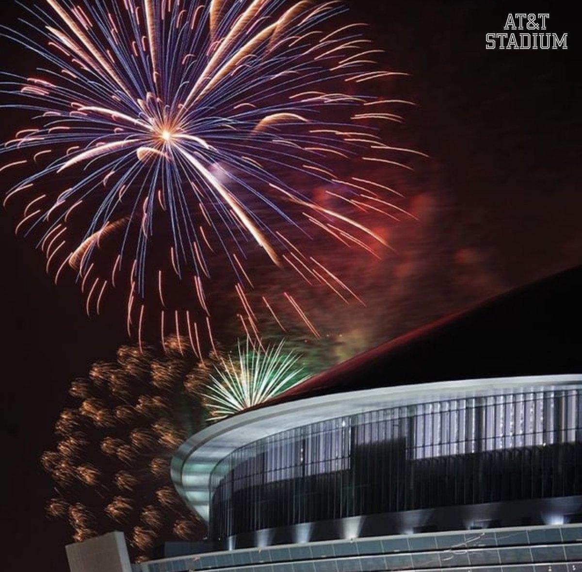 Happy New Year #CowboysNation 🎆 Cheers to 2021 #HappyNewYear | #DallasCowboys | #DC4L