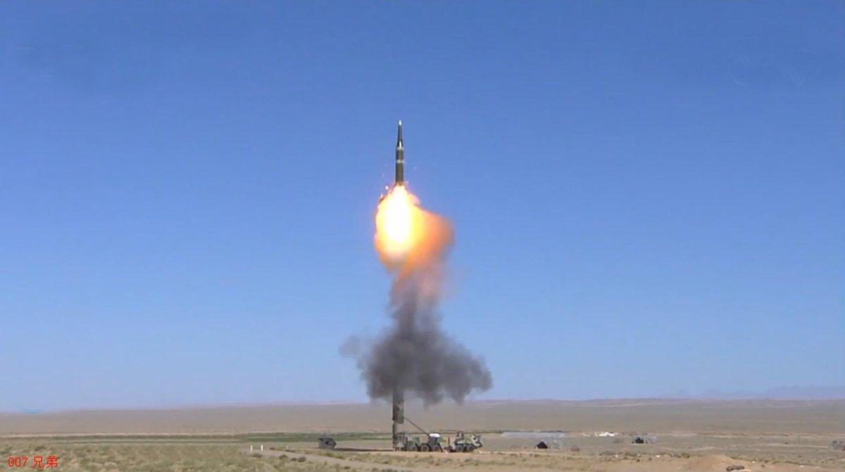 中国第二砲兵で、日本を打撃する弾道弾は、DF-21ミサイルであり、5-7個ミサイル旅団、90-130程度の移動式...