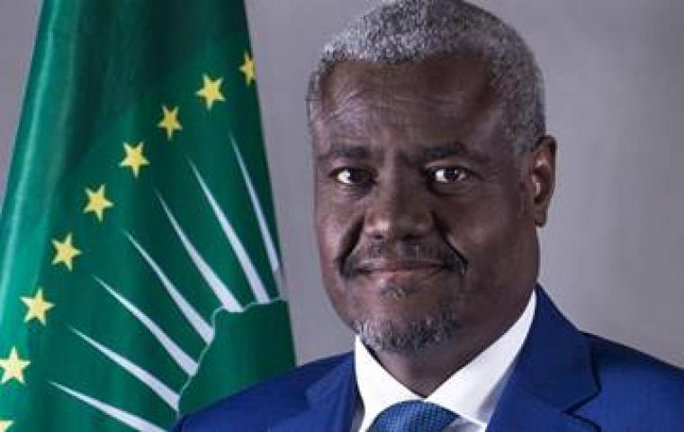 [Read] End of Year Message from H.E. @AUC_MoussaFaki Mahamat, Chairperson of the @_AfricanUnion Commission @ https://t.co/hY3L0LKy26 https://t.co/3lVGBcGrSI