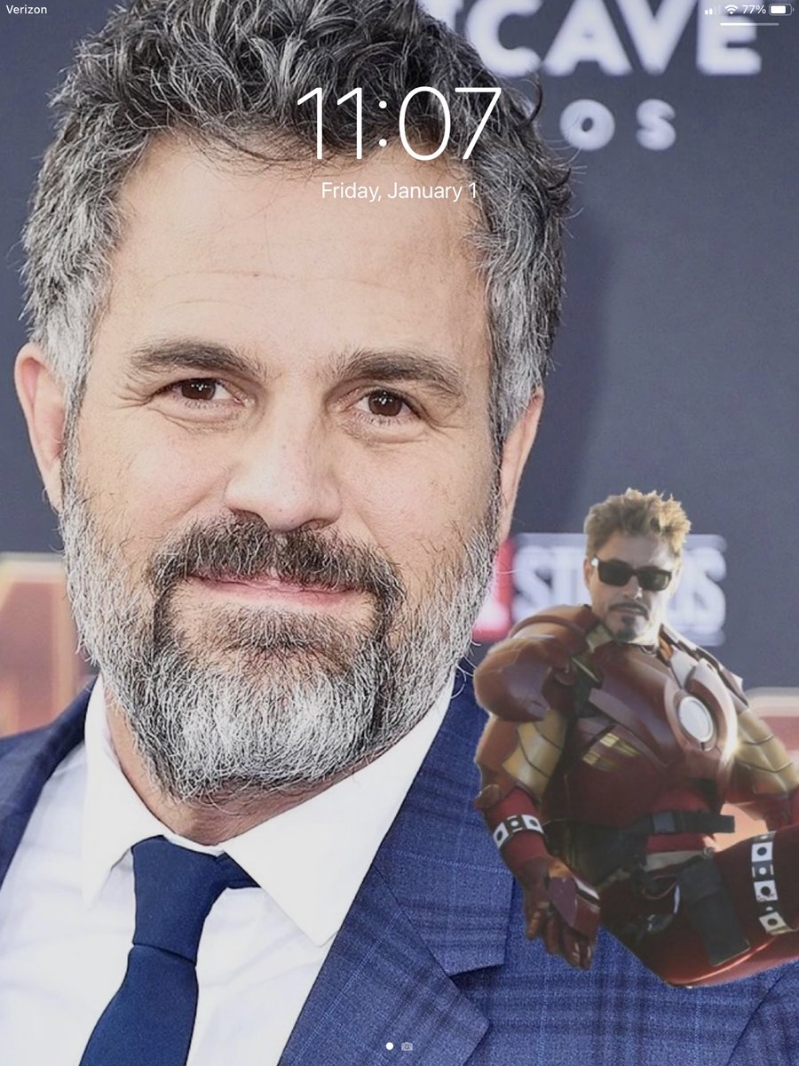 New year, new wallpaper. I think I'll be keeping this one for a while. 😊😊😊 #MarkRuffalo #RobertDowneyJr #StarkOnMark #perfect #ScienceBros #ScienceBrosForever 💚❤️ #MyWallpaper