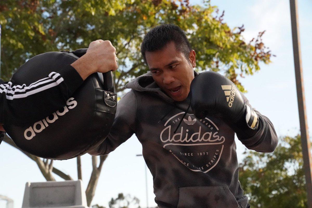 No days off!  Staying ready for 2021.  #Grinding #ReadyForSport #AdidasBoxing #GoldenBoyBoxing   #HomeTeam #LabanParaSaBayan #Boxing #MercitoGesta #NoMercy2021  @GoldenBoyBoxing @cs_adidas @WildCardBoxing1 @adidas @mrboxingguru @chrisdessalles @DAZNBoxing   🎥: @NeilMacasadia