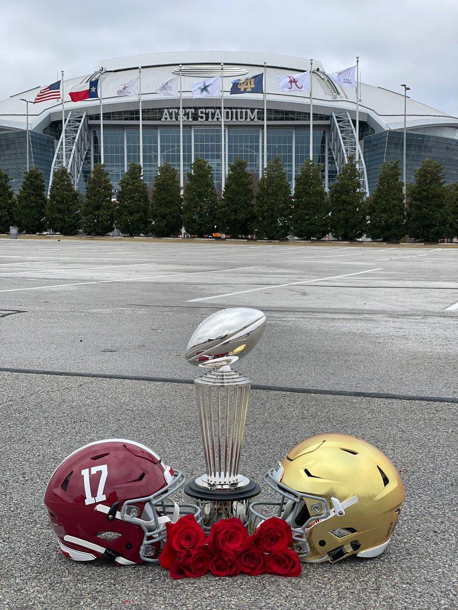 GAMEDAY.   @CFBPlayoff SEMIFINAL.  @AlabamaFTBL vs. @NDFootball  📍: @ATTStadium  🕒: 3 pm 📺: @espn   #RollTide | #GoIrish