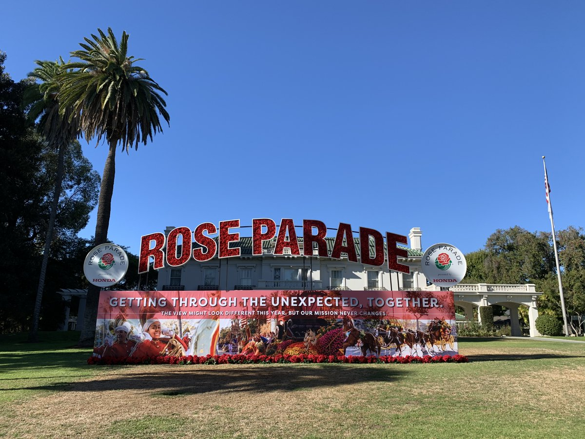 Happy New Year from the #RoseParade in Pasadena, CA and we will see you in 2022! Visit  to support #FeedingAmerica! #RoseParadeReimagined