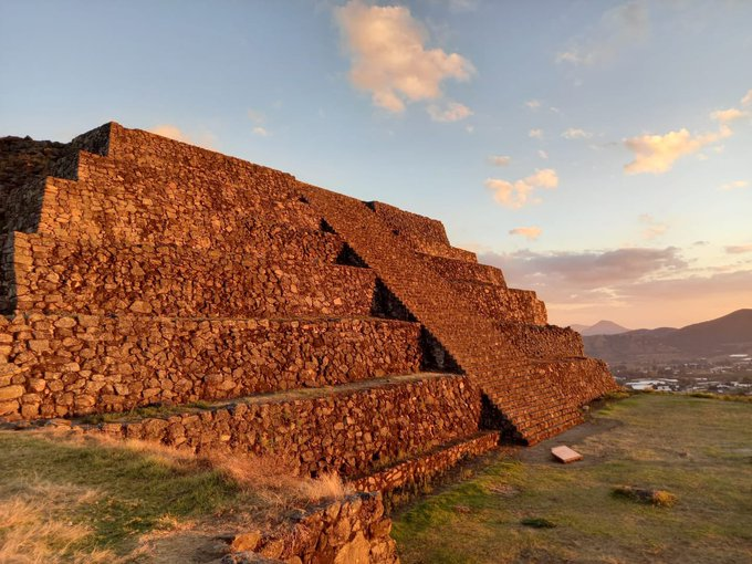1 pic. #pyramids #mexico https://t.co/GbPPjsJHmX