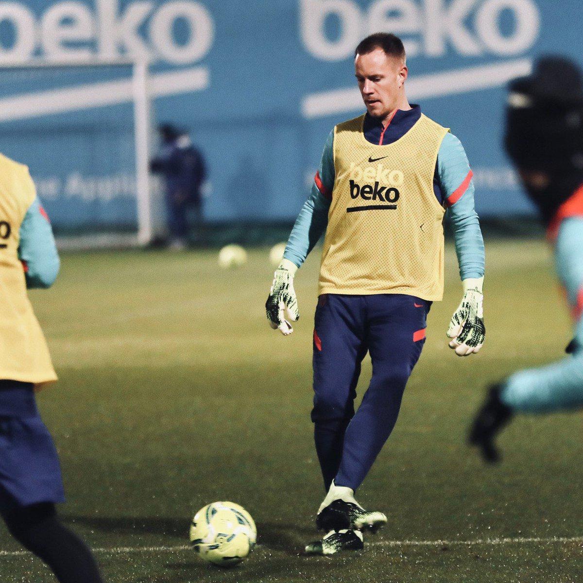 2021, let's go! 💪🏻🔵🔴 @FCBarcelona