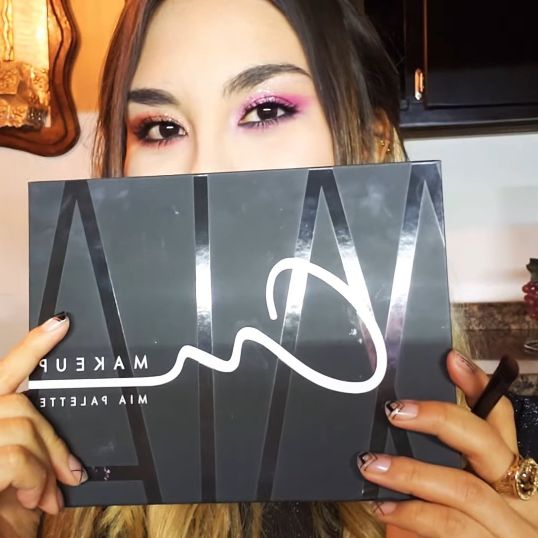 Reseña y 2 looks #MiaPalette #AnMakeUp (youtuber Karly Yañez). Link para ver: