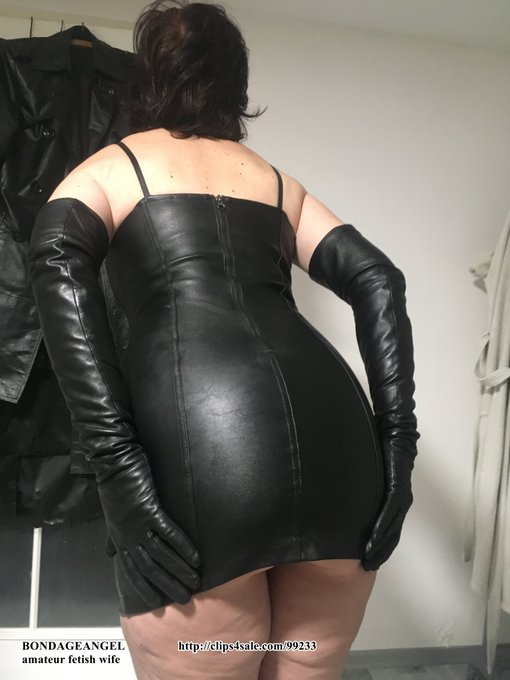 1 pic. A few more photos from the last day of last year. I know that  you like my leather ass😉😇💋 https://t