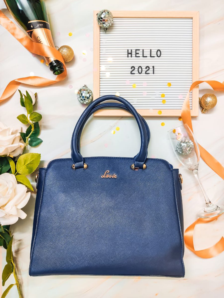"""This 2021, I pledge to carry @lavieworld handbags, on days ending with a """"Y"""" only! Comment your fave day to carry this handbag! x Click this link to grab 55% discount on the featured satchel handbag  x #stylishsatchel #sleekbag #newyear2021 #newyearvibes"""