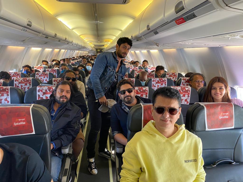 Replying to @WardaNadiadwala: In-flight party! @akshaykumar AKA #BachchanPandey you were missed