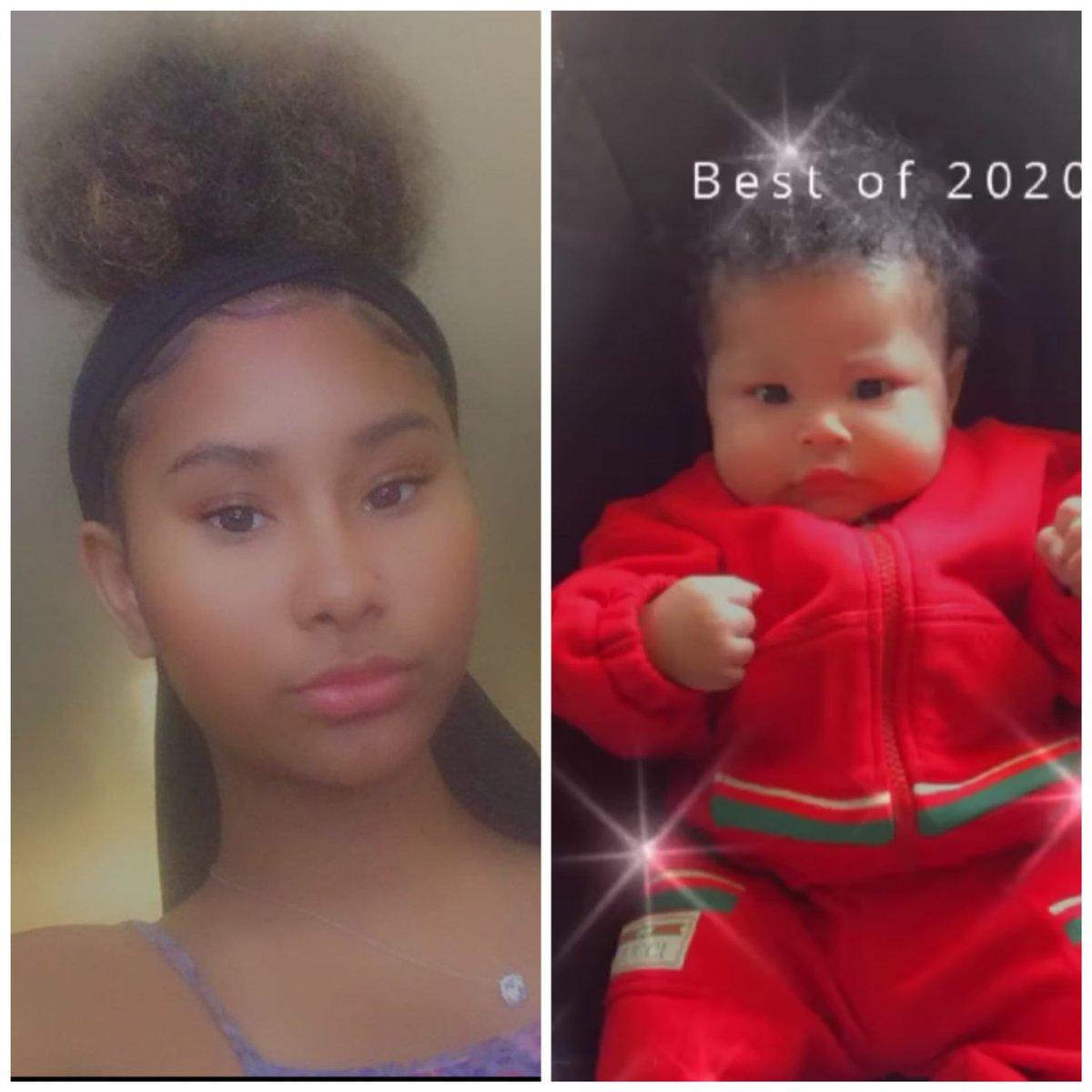 @NICKIMINAJ Auntie Ming has a twin 😍