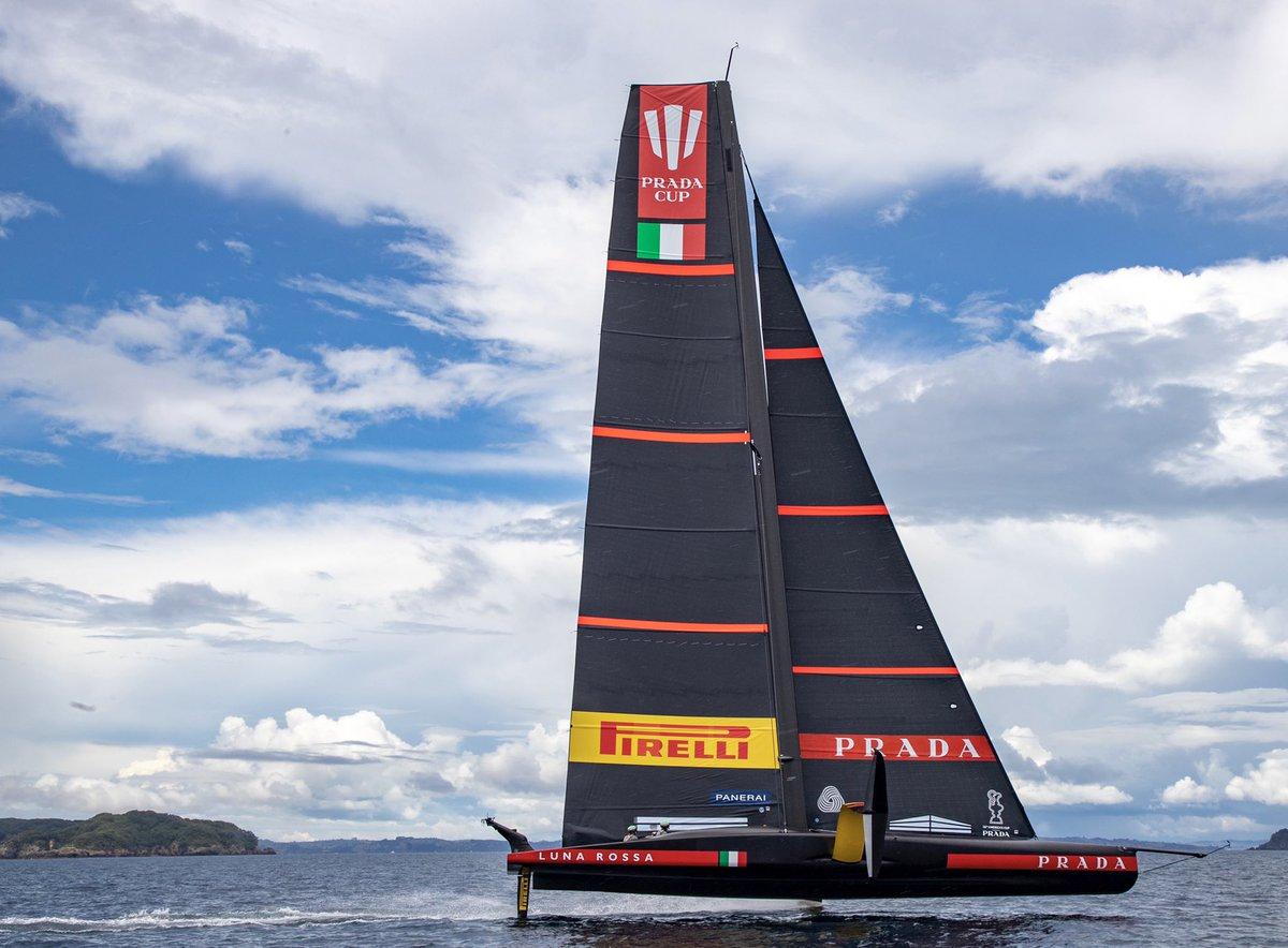 Luna Rossa Prada Pirelli Teams Background 3