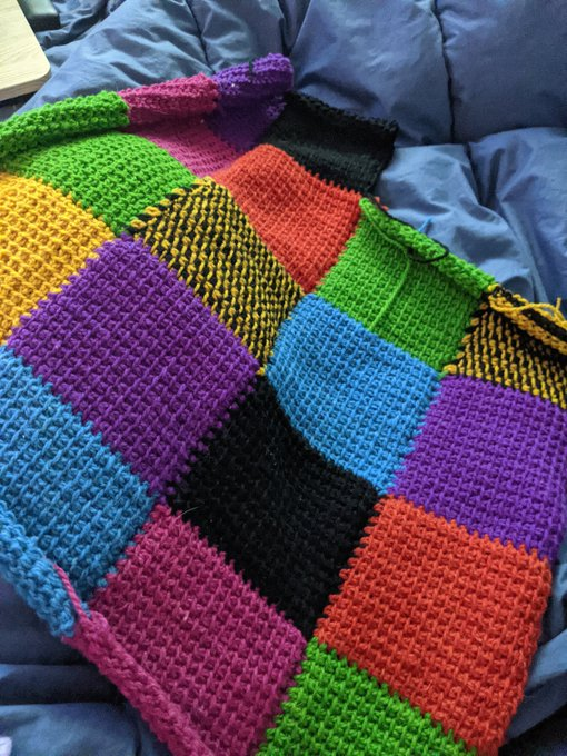 Still not sure about the colors. Reminds me of a blanket I had when I was a kid. The colors looked more