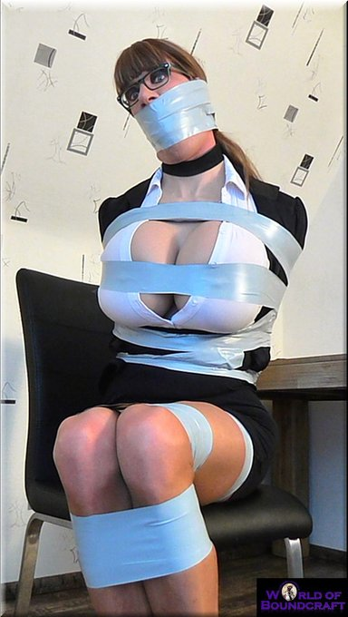 1 pic. A wrappy... happy good morning!!! Here you see how my #selfbondage shot yesterday went. As you
