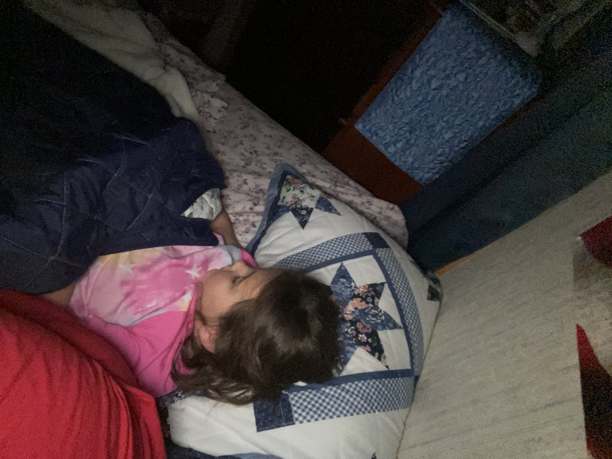 For such a tiny person she sure hogs the whole bed 🥰 #momlife #lovemydaughter https://t.co/KMEVa0tJST