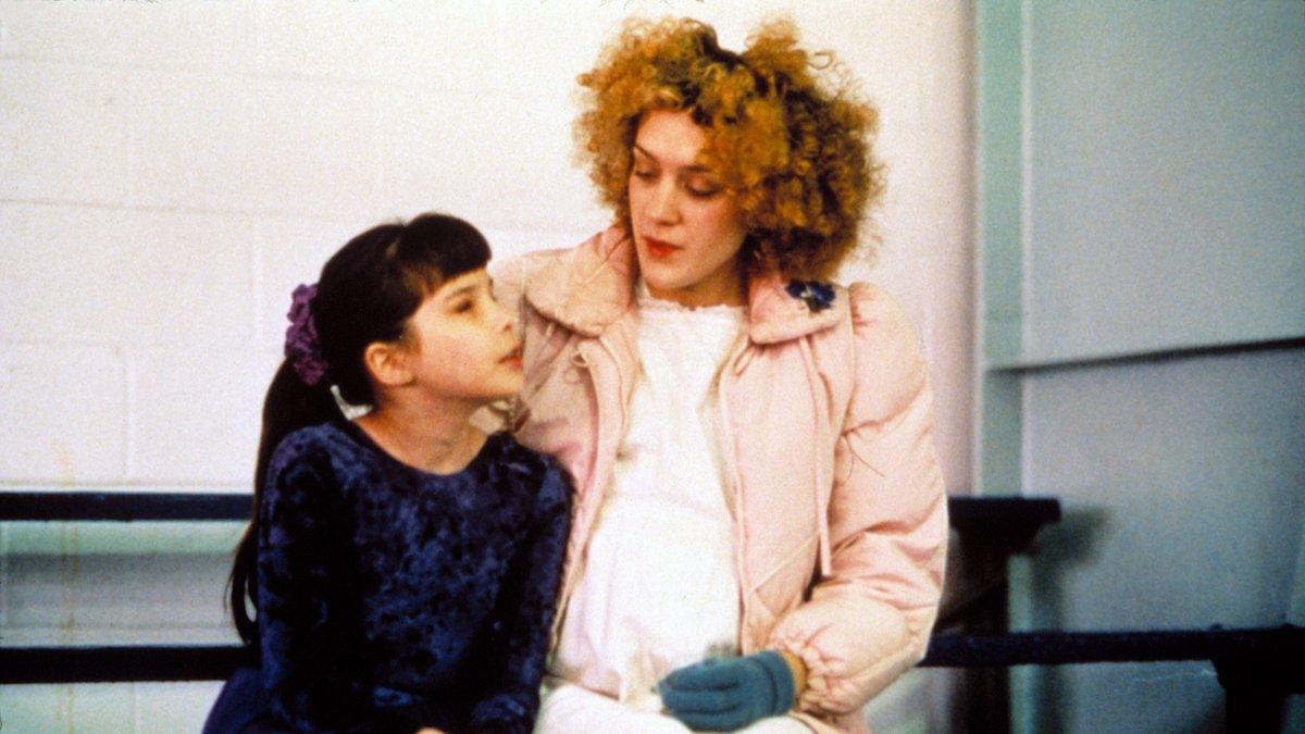 Chloë Sevigny in Julien Donkey-Boy (1999). Thoughts? #HarmonyKorine #BOTD #BornOnThisDay #filmtwitter #film #movies