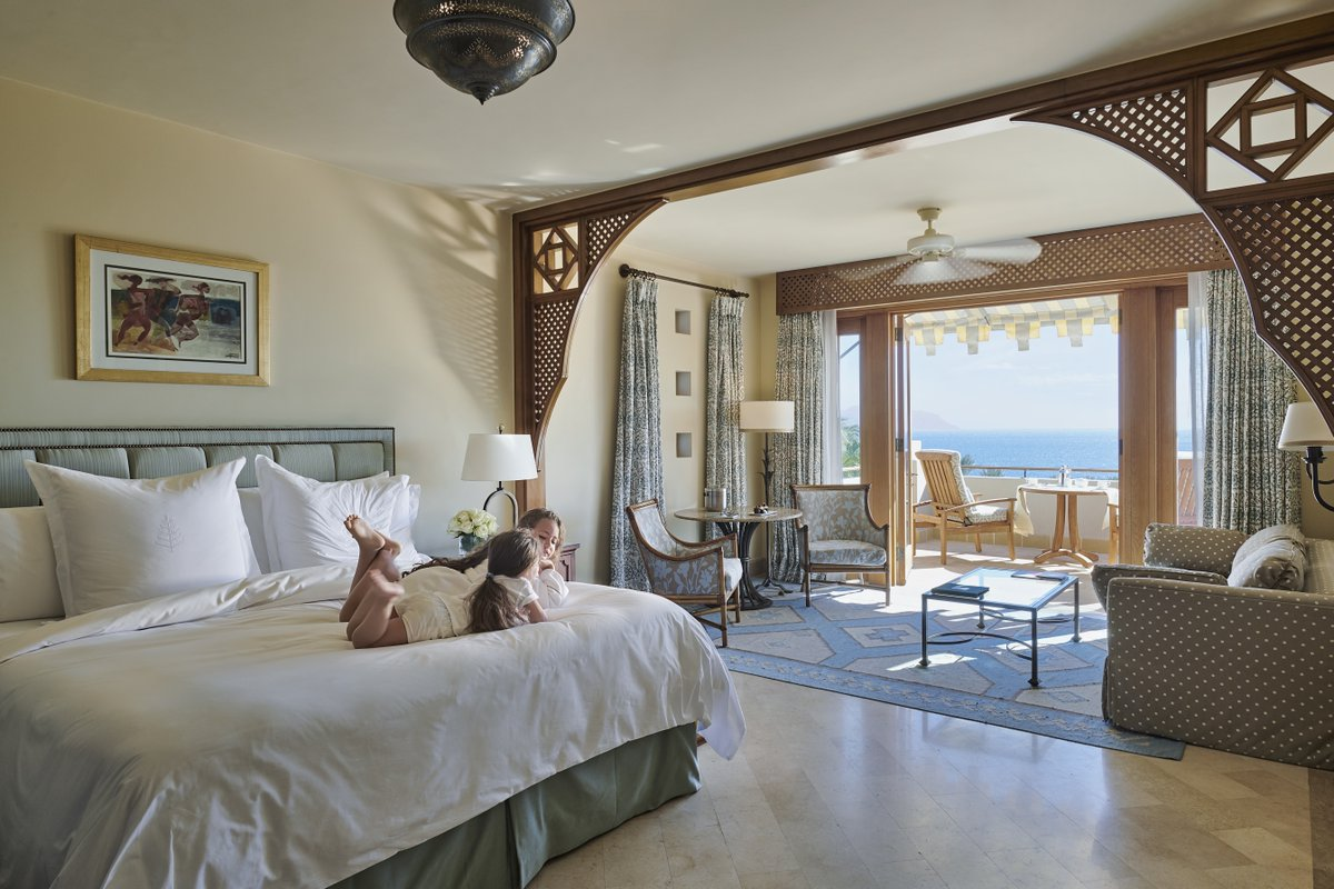 Dream big little ones. There is nothing better than making new memories with those who matter the most in child-sized robes, a fun-loving kids club and two heated children pools #WakeUpWithFS #FSSharmElSheikh #FourSeasons https://t.co/9LqLg6rQS5
