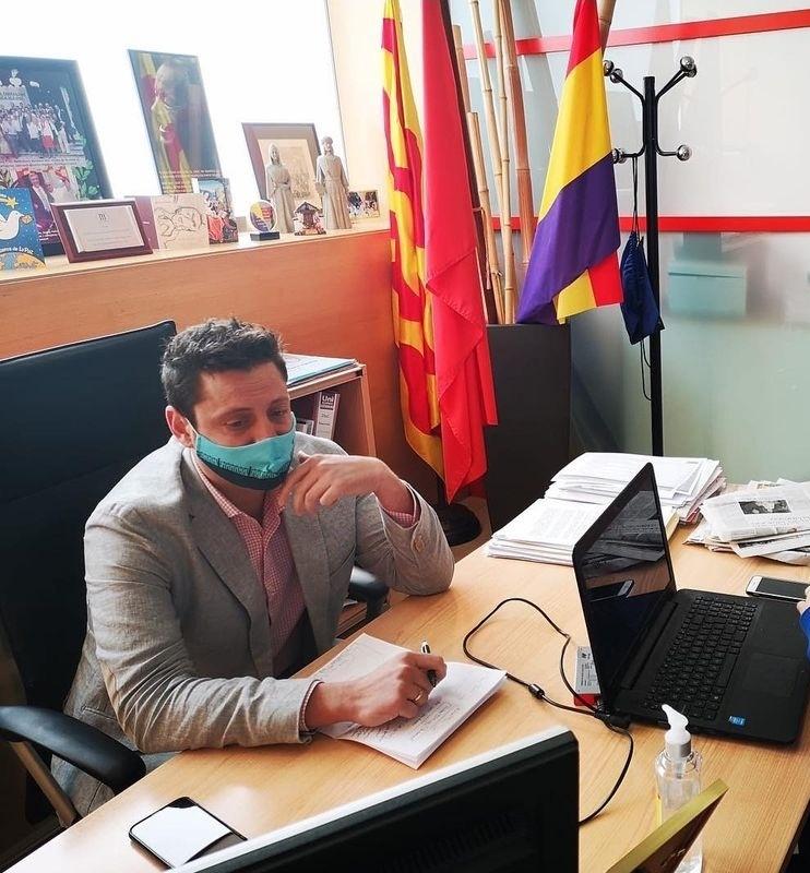 En Viñuales, ex de Ciutadans ara al PSC, ja s'ha fet republicà.