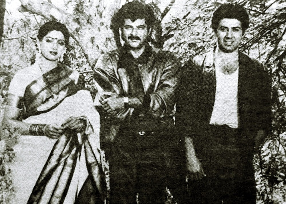 #SunnyDeol with #Sridevi and #AnilKapoor during the shooting of the movie 'Ram Avtar' (1988)   @iamsunnydeol @AnilKapoor  #BollywoodFlashback #indiancinema