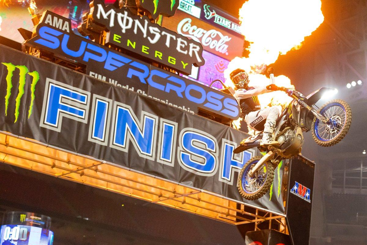 #AMAスーパークロス 開幕戦 250SX Eastは、#29 クレイグ選手が完勝! チームメイトの#64 ニコルズ選手も3位に入り、ダブルポディウムを達成!  レポート↓  #Yamaha #ヤマハ #YZ250F #YZ