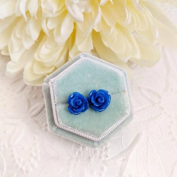 Navy Rose earrings, flower  via @EtsySocial #torontostyle #shoplocal #rosestudearrings #rosepostearrings