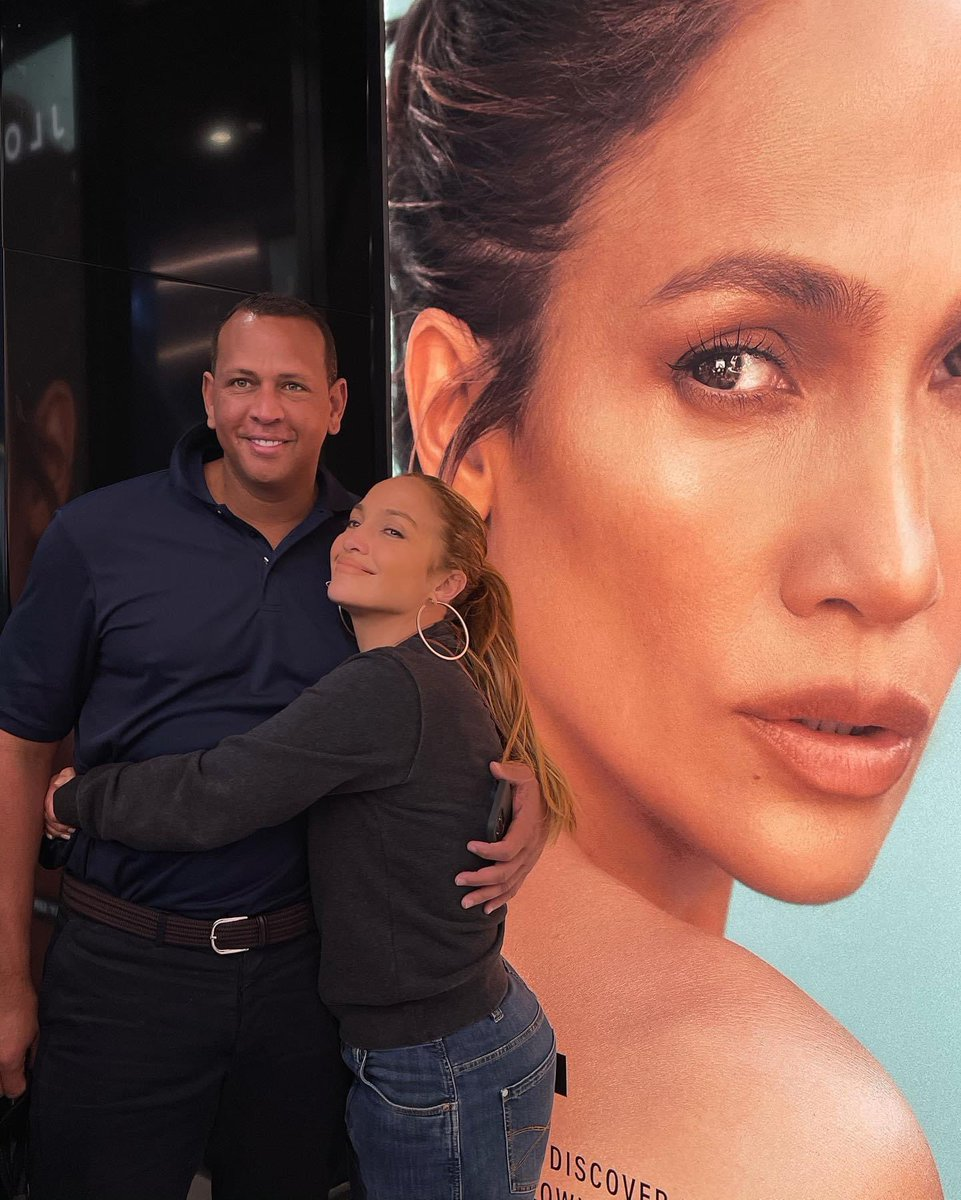 Replying to @AROD: Visiting @jlobeauty with my JLo beauty ✨🤍