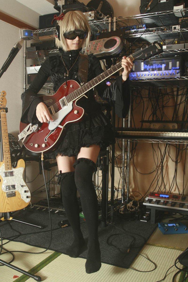 過ぐる日のフゥさん #ギター #guitar #ギター女子 #ギタ女 #ポートレート #portrait #photooftheday #cute #cool #girl #ファインダー越しの私の世界 #キリトリセカイ #写真で奏でる私の世界 #写真で伝える私の世界 #写真で伝えたい私の世界