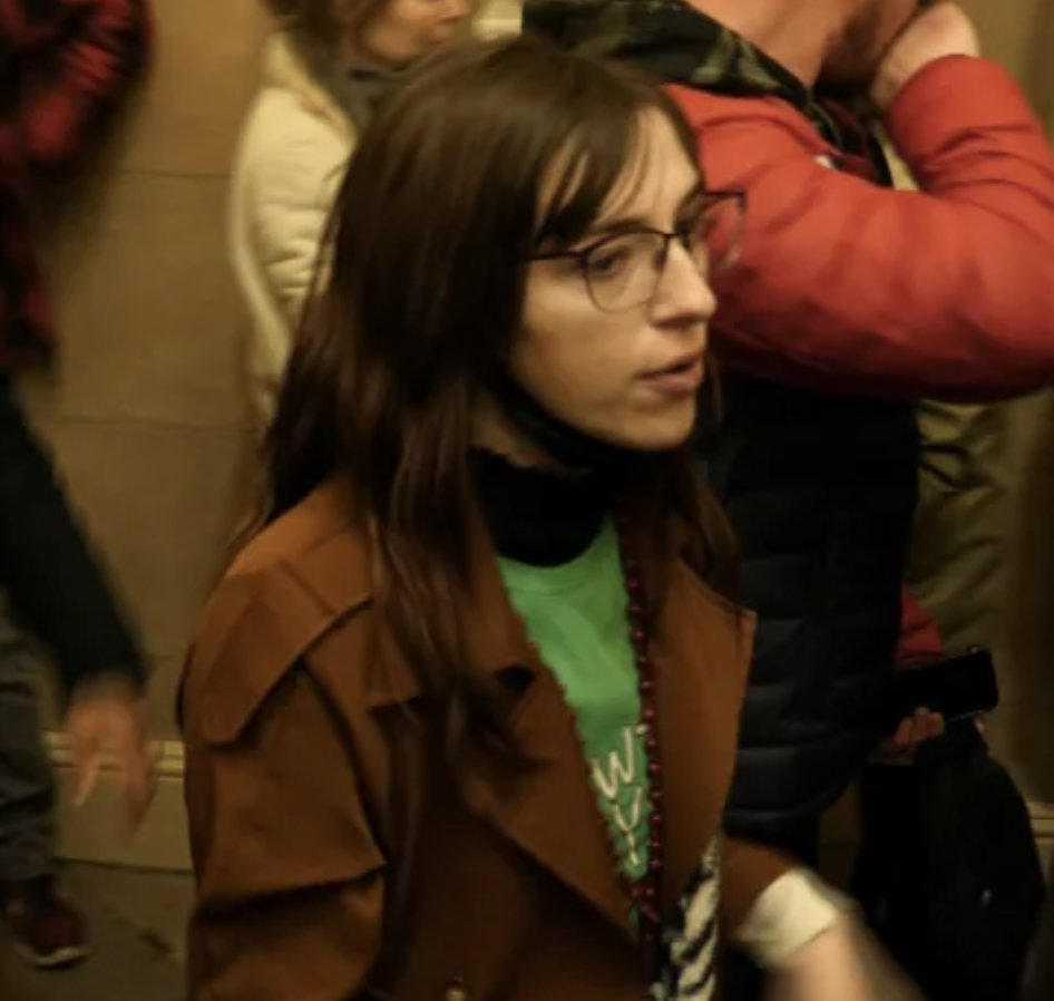 """IDENTIFIED: Riley Williams, 22, from Pennsylvania stormed the buildings during the Washington DC siege. She attracted attention after she was filmed directing rioters """"up the stairs, up the stairs"""". https://t.co/dBsFoLKzsY https://t.co/Aq4giwI9vH"""